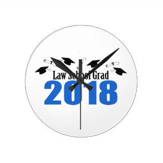 Relógio Redondo Bonés e diplomas do formando 2018 da escola de