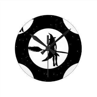 Relógio Redondo bruxa do Dia das Bruxas