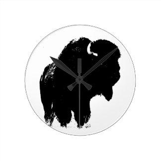 Relógio Redondo Búfalo preto & branco do bisonte do pop art