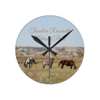 Relógio Redondo Cavalos selvagens do parque nacional de Theodore