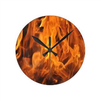 Relógio Redondo Chamas - demasiado quentes a segurar