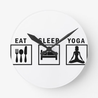 Relógio Redondo coma a ioga do sono