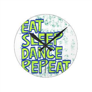 Relógio Redondo coma a repetição da dança do sono