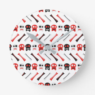 Relógio Redondo Crânio cómico com teste padrão colorido dos ossos