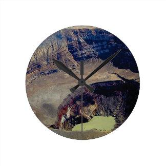 Relógio Redondo cratera vulcânica profunda