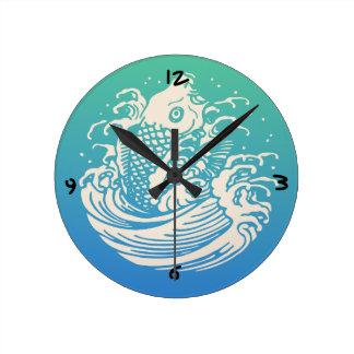 Relógio Redondo Design azul do vintage dos peixes japoneses de Koi