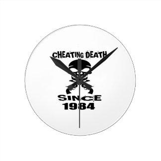 Relógio Redondo Design de engano do aniversário da morte desde