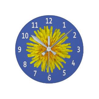 Relógio Redondo Dígitos brancos da flor amarela do dente-de-leão