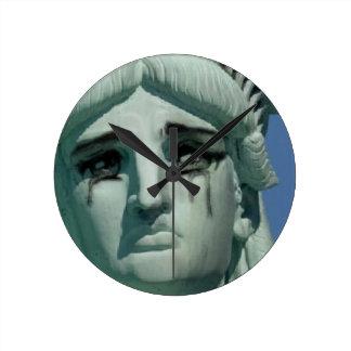 Relógio Redondo Estátua da liberdade de grito