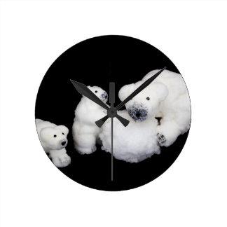 Relógio Redondo Estatuetas da família dos ursos polares que jogam