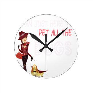 Relógio Redondo Eu estou apenas aqui pet todos os cães