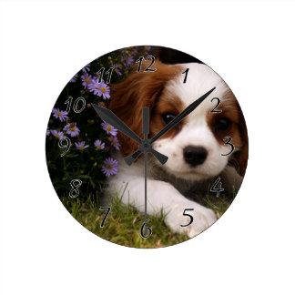 Relógio Redondo Filhote de cachorro descuidado do Spaniel de rei