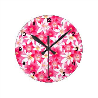 Relógio Redondo Hibiscus branco e cor-de-rosa floral