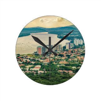 Relógio Redondo Ideia aérea do subúrbio de Guayaquil do plano