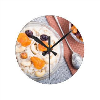 Relógio Redondo Ideia superior de uma parcela de farinha de aveia