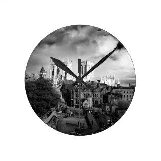 Relógio Redondo Igreja de York no Sun