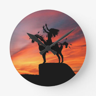 Relógio Redondo Indiano e cavalo do nativo americano