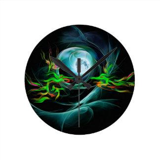 Relógio Redondo Jogo dos dragões verdes com a lua