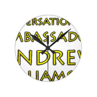 Relógio Redondo Jr. das conversações w/Ambassador Andrew Williams