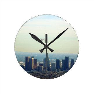 Relógio Redondo LA e helicóptero