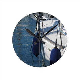 Relógio Redondo Lado esquerdo do barco de navigação com os dois