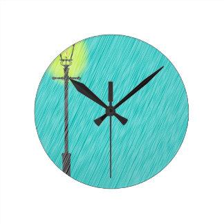 Relógio Redondo Lamppost na chuva