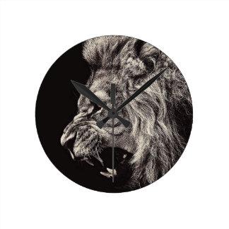 Relógio Redondo Leão masculino irritado