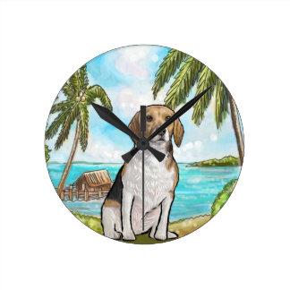 Relógio Redondo Lebreiro na praia tropical das férias