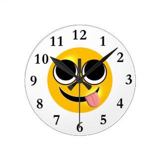 Relógio Redondo Língua para fora Emoji