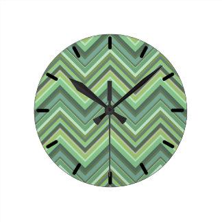Relógio Redondo Listras do ziguezague da verde azeitona