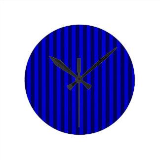 Relógio Redondo Listras finas - azuis e azuis escuro