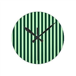 Relógio Redondo Listras finas - luz - verdes e verdes escuro