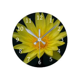 Relógio Redondo Lotus amarelo Waterlily