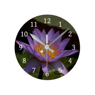 Relógio Redondo Lotus roxo Waterlily