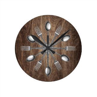 Relógio Redondo Madeira escura elegante dos utensílios da cozinha