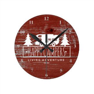 Relógio Redondo Madeira rústica vermelha de acampamento feliz do