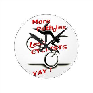 Relógio Redondo mais caldeirões menos ciclistas (yay)