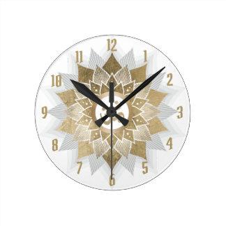 Relógio Redondo Mandala da flor de Lotus do símbolo do OM do ouro