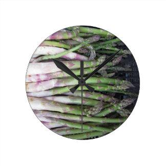 Relógio Redondo Mão fresca do aspargo escolhida do jardim
