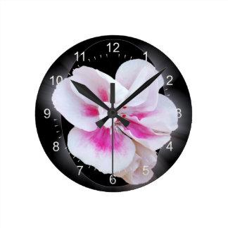 Relógio Redondo Máscaras cor-de-rosa