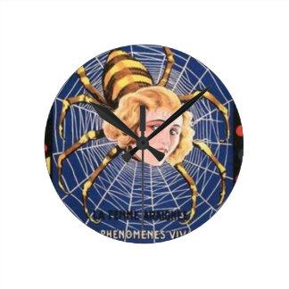 Relógio Redondo Menina francesa da aranha