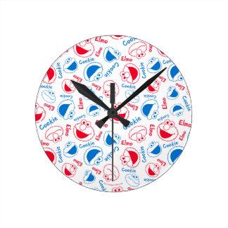 Relógio Redondo Monstro & Elmo do biscoito teste padrão vermelho &