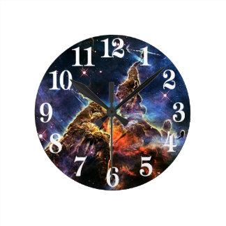 Relógio Redondo Montanha místico na NASA do espaço