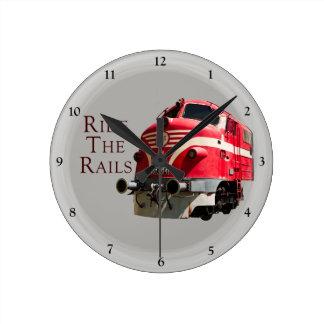 Relógio Redondo Monte os trilhos