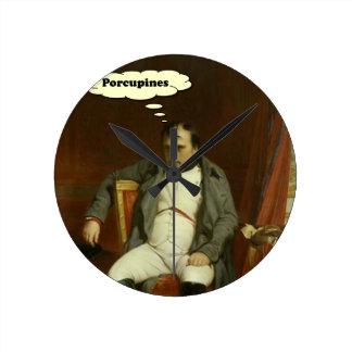 Relógio Redondo Napoleon pensa sobre porcos-