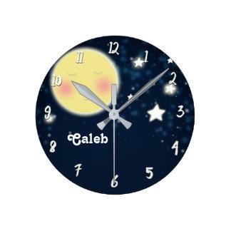 Relógio Redondo Nome personalizado do berçário da lua do fulgor