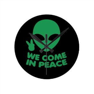 Relógio Redondo Nós vimos na alienígena da paz