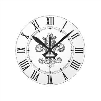 Relógio Redondo Numerais romanos da flor de lis