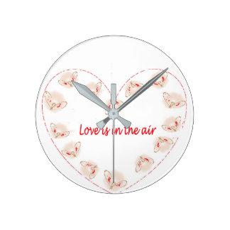 Relógio Redondo O amor está no ar