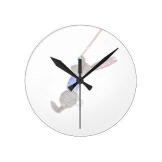 Relógio Redondo O coelho no Trapee de voo